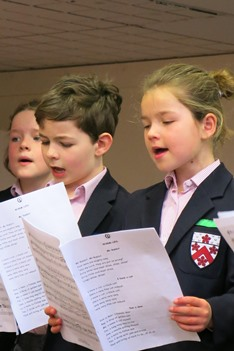 Alleyn's Junior School Boys and Girls singing