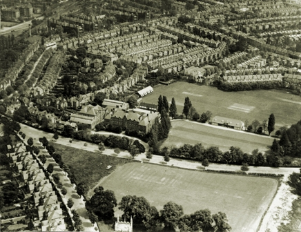 Aerial view of Alleyn's, 1929