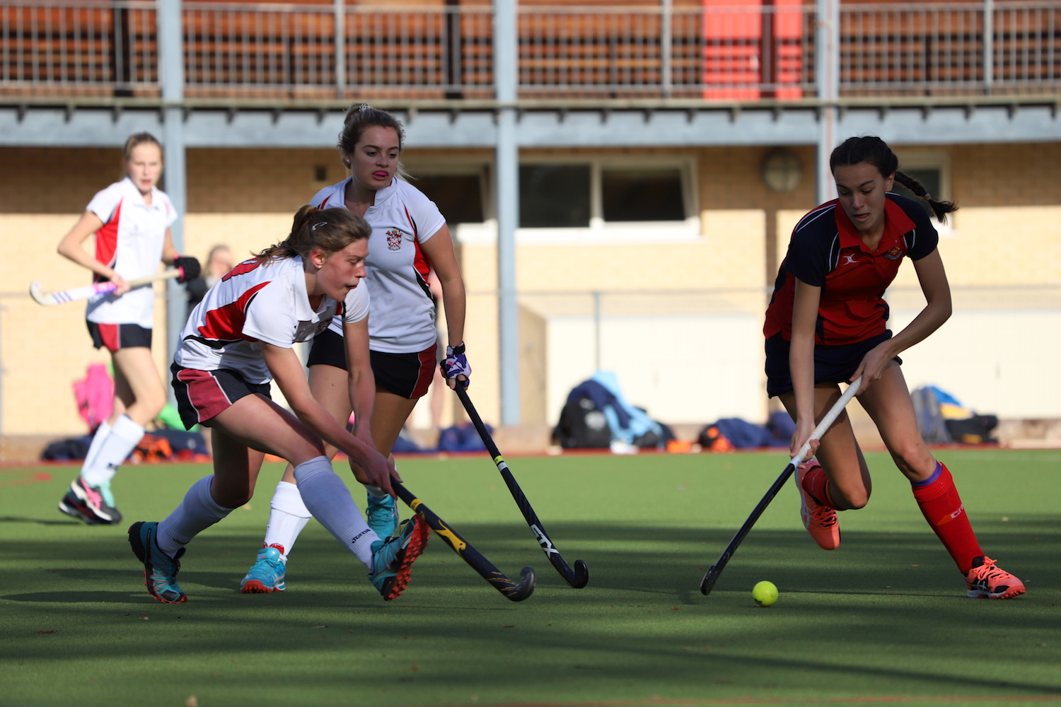 Alleyn's girls playing hockey
